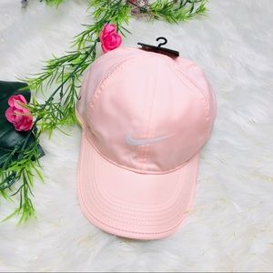 NIKE | Feather Pink Cap
